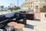 Елегантни и удобни дивани от ратан за заведения