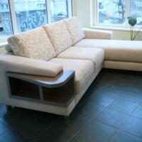 Тапициран ъглов диван